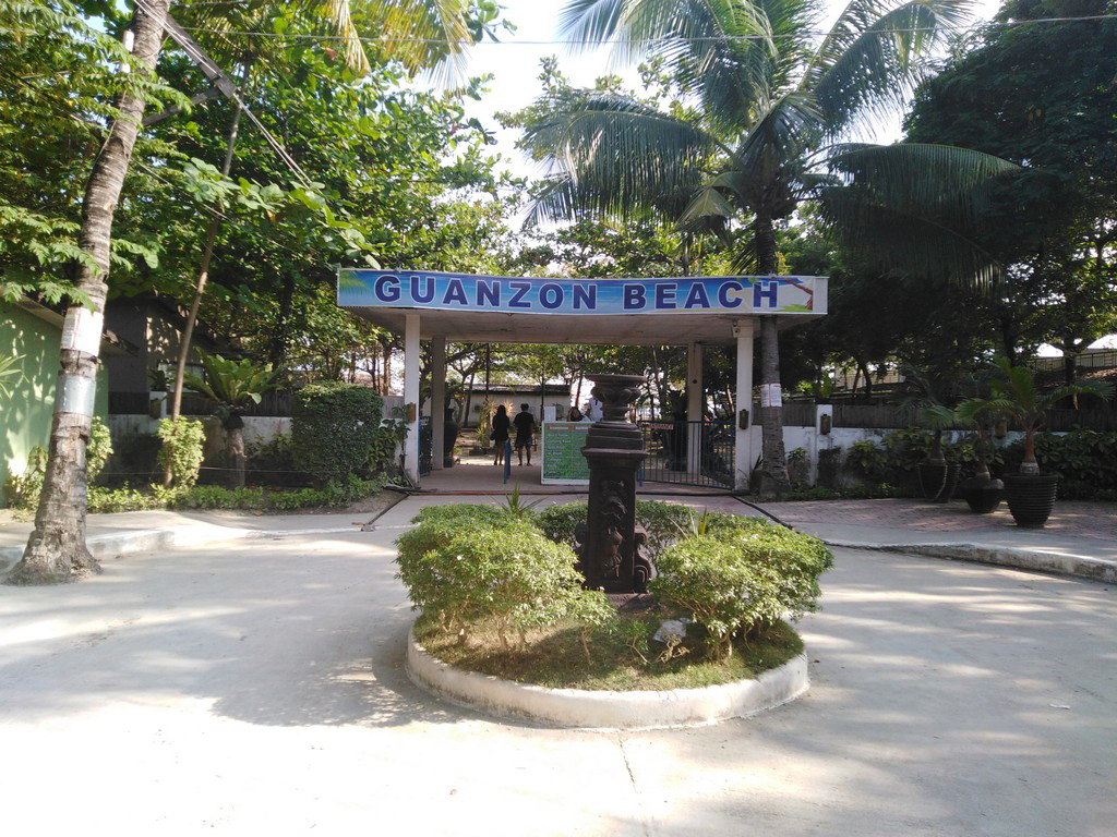 Guanzon Beach in Langtad Naga
