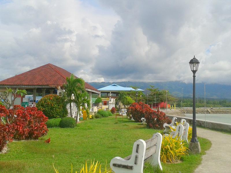 moalboal cebu municipal plaza
